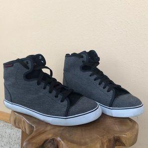 Men's size 9 air walk shoes